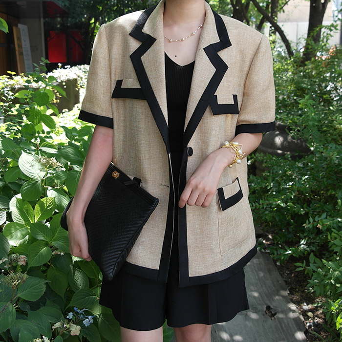 Contrast-Trim Short-Sleeved Jacket