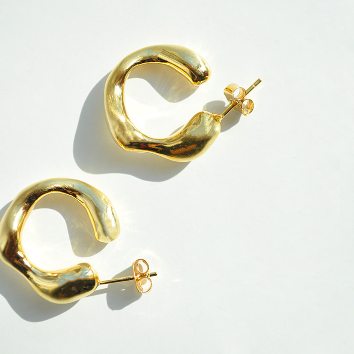 Gold-Plated Waved Earrings