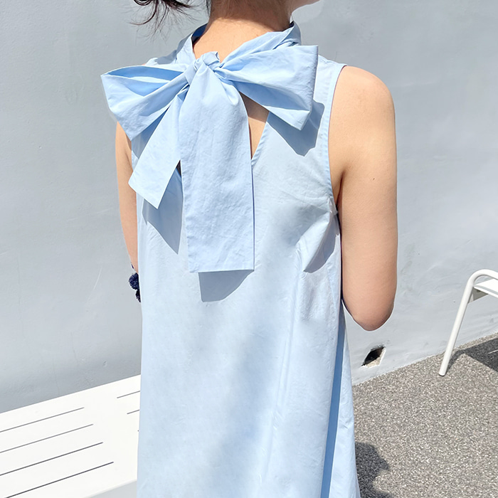 Back Ribbon Sleeveless Dress